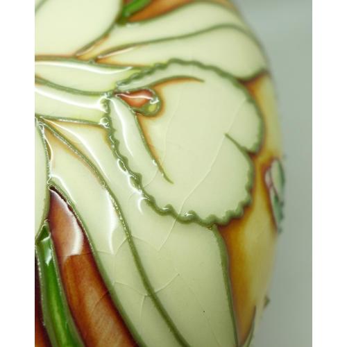 605 - A Moorcroft Queen's Bouquet vase, 36/50, Collectors Club 2002, 11cm, boxed...
