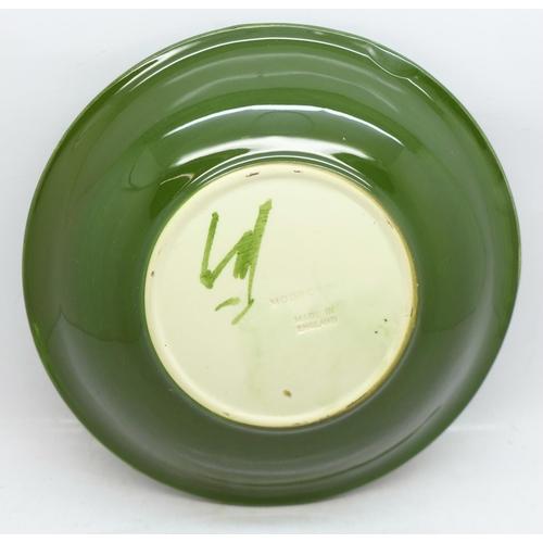 642 - A Moorcroft Hibiscus pattern dish, 18.5cm...