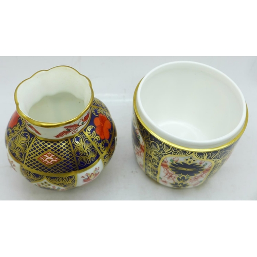 651 - A Royal Crown Derby Old Imari vase and a pot, lacking lid...