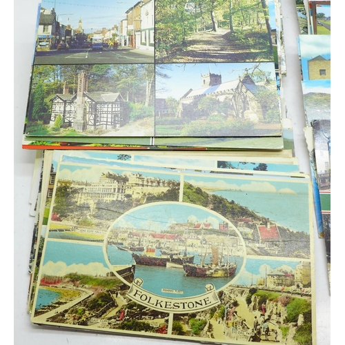 658 - Postcards:- multi-view cards from various towns and cities across the UK, vintage to modern...
