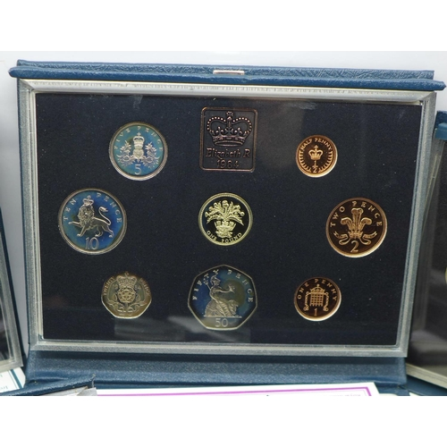 660 - Five Royal Mint UK Proof coin sets, 1980's - 1990's...