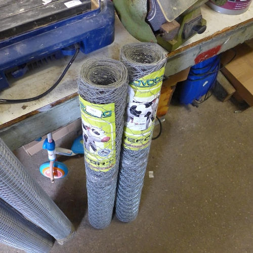 2059 - 2 x 10mtr Rolls of wire netting * This lot is subject to VAT...