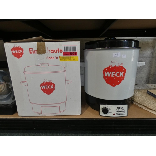 3016 - A Weck 29L electric home canner with temperature control * This lot is subject to VAT...