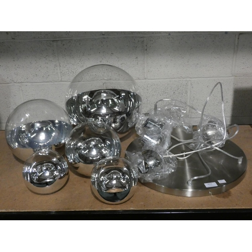 3022 - A graduated 5-ball pendant ceiling light * This lot is subject to VAT...