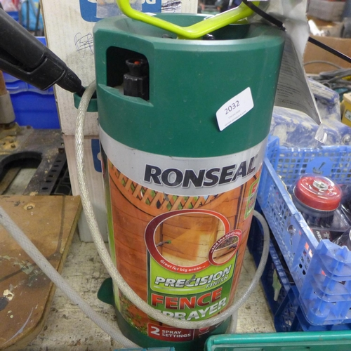 2032 - Ronseal fence sprayer...