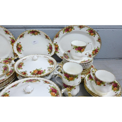 624 - Royal Albert Old Country Roses tea and dinnerwares, two tureens, six large dinner plates, oval plate...