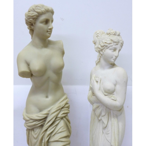 635 - A Roman bust, two other Roman statues, a resin goblet and three resin plaques