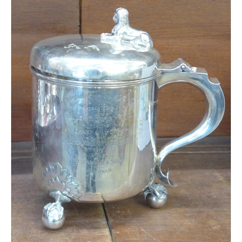 782 - A Victorian silver ice bucket on three ball and claw feet, with lid and handle, possibly London 1884...