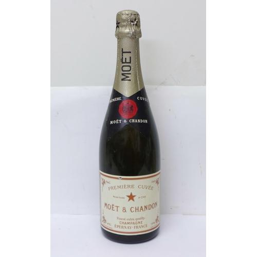626 - One bottle, Moët & Chandon Premiere Cuveé Champagne...