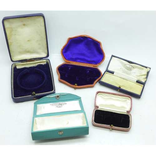 614 - Five vintage jewellery boxes...
