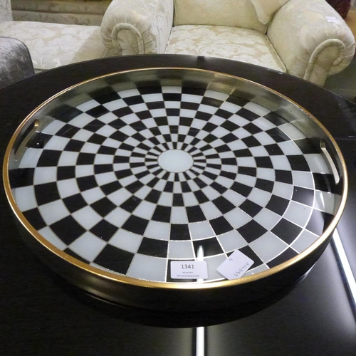 1341 - A large circular black and white checkers design tray (MT62B18)   #...