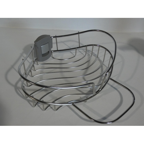 3002 - Microfiber Drying Towels, Simplehuman Soap Pump and Sink Caddy (208-5, 13, 18) * This Lot Is Subject...