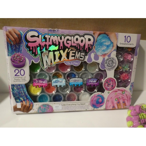 3015 - Atomic Power Popper Pack and Slimy Gloop Mix'Ems Pack   (208-39, 41) * This Lot Is Subject To Vat...