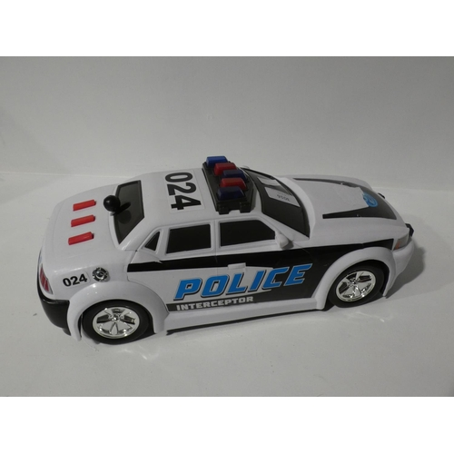 3016 - Mighty Motorised Police Car and Powerman Max Robot (208-38, 40) * This Lot Is Subject To Vat...