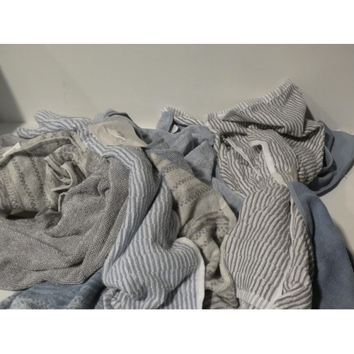 3029 - Dkny Double Bed Set, Organic Kitchen Towels and Anti-Fatigue Kitchen Mat       (208-101, 128, 129, 1...