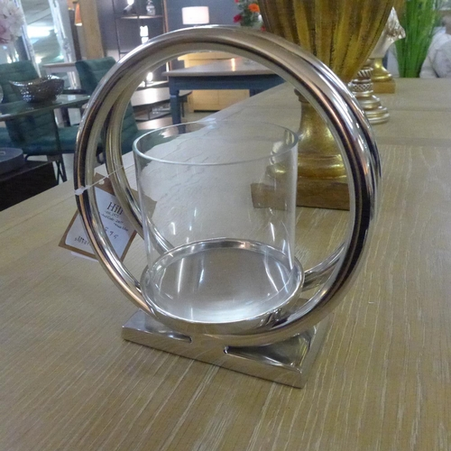 1411 - An Ohlson chrome twin loop candle holder (2065712)   #...