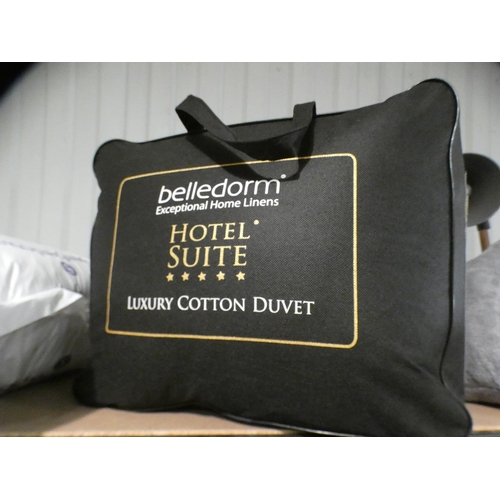 3045 - A Belledorm superking thermal duvet set * this lot is subject to VAT...