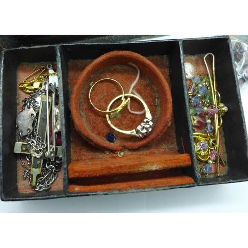 624 - A jewellery box and costume jewellery...