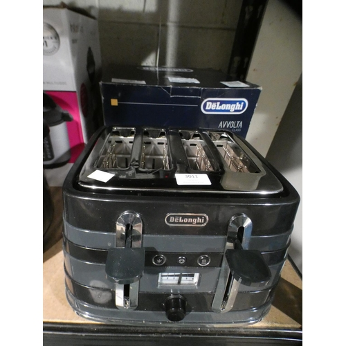 3011 - Delonghi Black Avvolta Four Slot Toaster    (215-556) * This lot is subject to VAT...