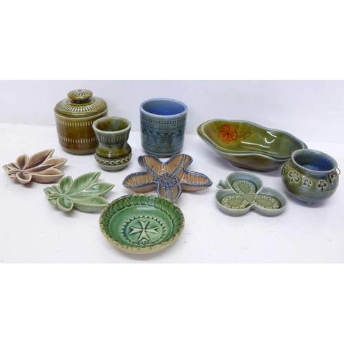 A collection of Irish Wade pin dishes, pots and preserve pot (10)