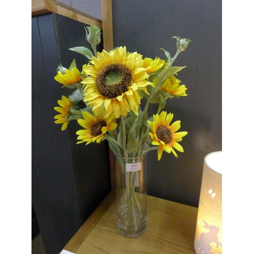 1386 - Sunflowers in a cylinder vase, 52cms (50546913)   #...