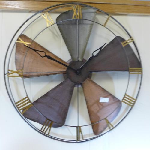 1430 - A fan round metal wall clock, 62cm (7120729)   #...