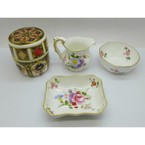 639 - A Royal Crown Derby 1128 Imari table lighter and three items of Derby Posies, small faint hairline o...