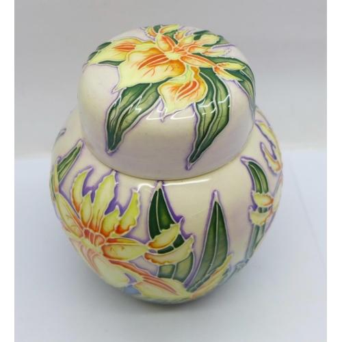 651 - A Moorcroft Windrush ginger jar, 10.5cm...