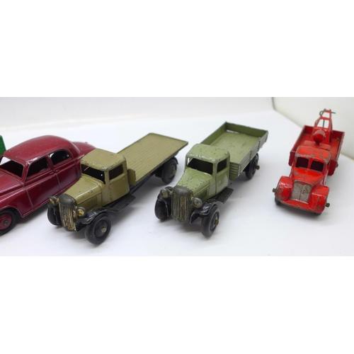 654 - Seven Dinky Toys die-cast model vehicles...