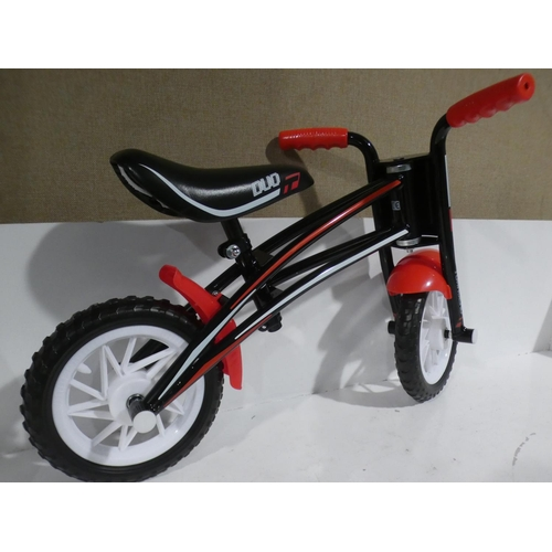 3010 - A black/red Townsend Duo reversible frame balance bike (new/unused)...