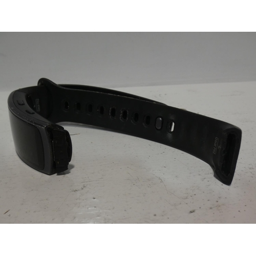 3032 - Samsung Gear 2 Smart Watch (no charging lead/damaged strap), RRP £199.99 + VAT           (220-229) *...