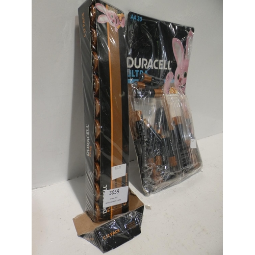 3059 - Duracell Aa Ultra Batteries and Duracell C Plus Batteries (both incomplete packs)  (220-287, 320) * ...