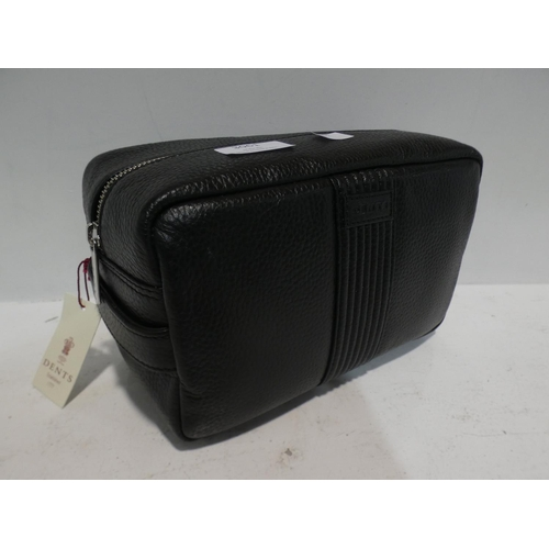 3061 - Dents Men'S Washbag       (220-322) * This lot is subject to VAT...