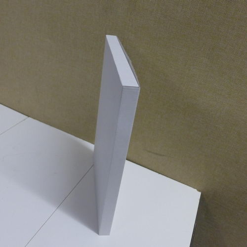 2039 - Carton of A4 packaging boxes for mailing...