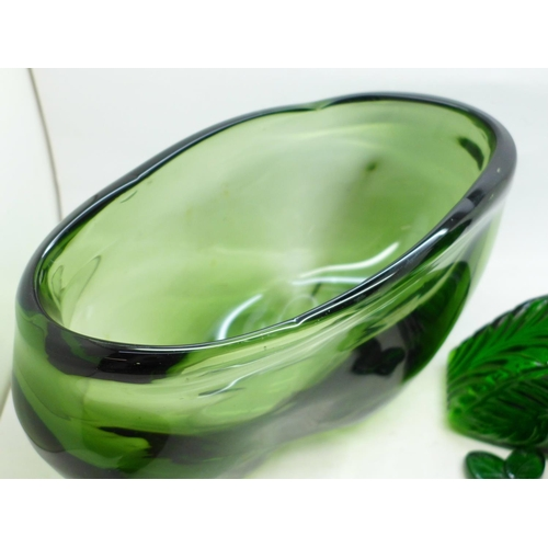 611 - A large art glass vase and a green glass Bohemian decanter (inner rim and stopper chipped)