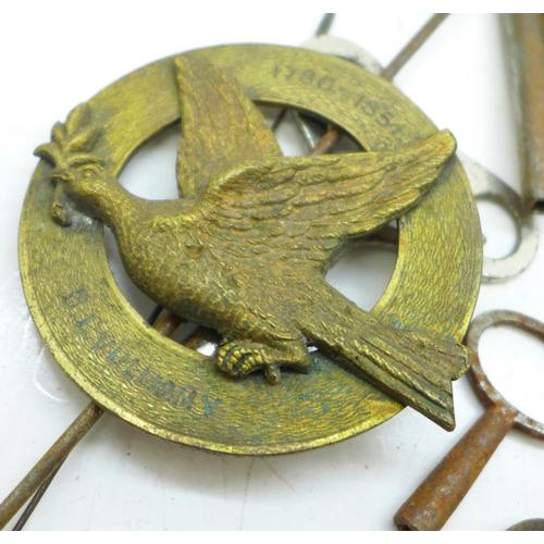 631 - A quantity of clock keys