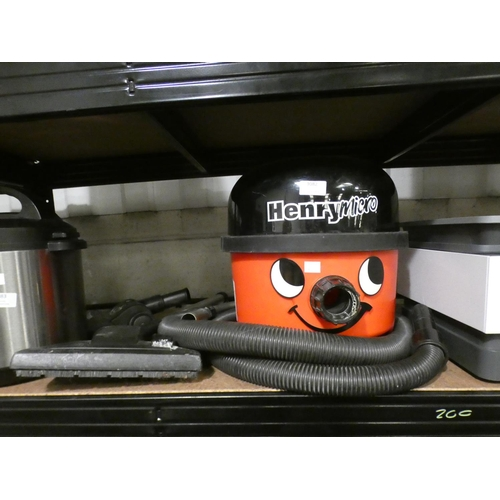 Henry Micro Hi-Flo Vacuum - model 900671/HVR200M, RRP £119.99 + vat (227-200) * This lot is subject to VAT