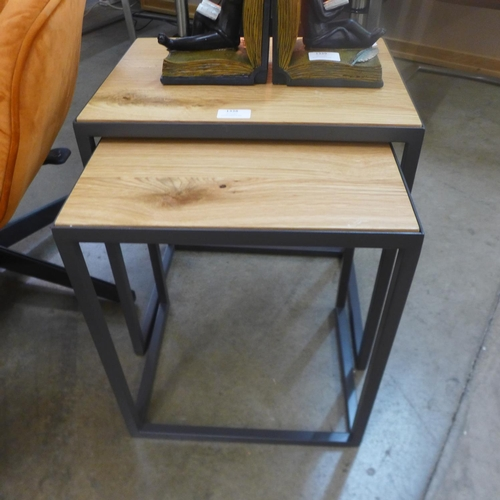 1338 - An Urban industrial oak nest of two tables (IE-N2T)   *This lot is subject to VAT