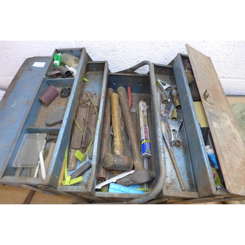 2010 - Blue cantilever tool case with contents and a bag of hand tools