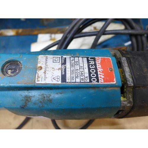 2020 - Makita JR3000 240v 540w reciprocating saw in a case - W