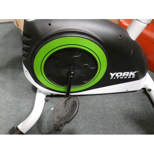 3049 - York Active 120 exercise bike, 91L x 50W x 130H * this lot is subject to vat
