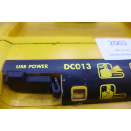 2002 - DeWalt DC013 mains/battery site radio (Police repossession) - W