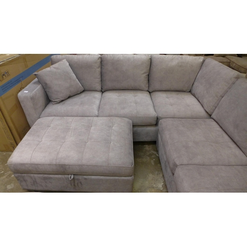 1575 - A Thomasville corner sofa with storage ottoman, RRP £1291.66 + VAT (4061-19 ) * This lot is subject ...