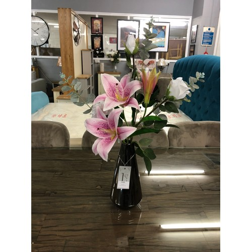 1395 - A lily and rose arrangement in a glass vase (50641911)  #