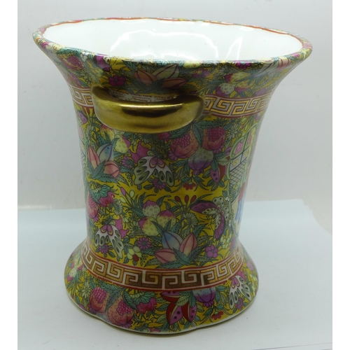 609 - A Chinese hand decorated vase, 18cm