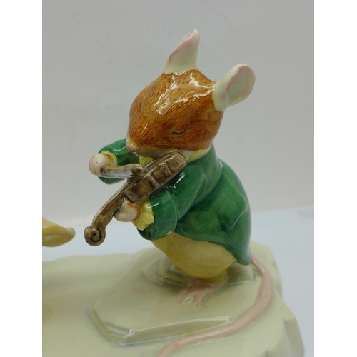 650 - A Brambly Hedge DBH30 limited edition figure, boxed, 214/3000