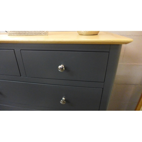 1384 - A Bergen blue painted two over three chest of drawers * This lot is subject to VAT