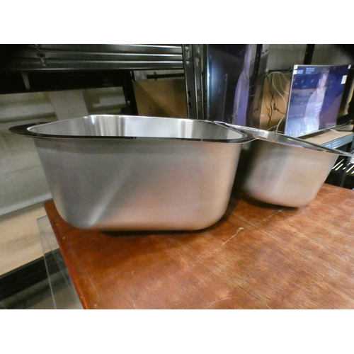 3051 - Ecuador 1.5 Bowl RVS U/mount Stainless Steel (430x582), RRP £415 inc. VAT - model no:- BL453665 * Th...