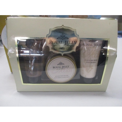 42 - Pamper lot to include Scholl retreat for hands, boxed, plus set of royal jelly products, boxed....