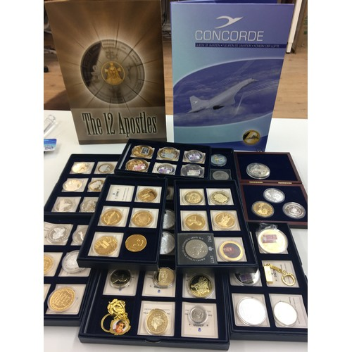 230 - Large qty of silver and gold plated commemorative medallions celebrating flight, The Royals, Religio...